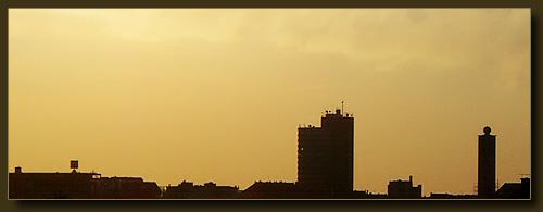 Solinger Skyline mit Turmhotel und ohne Kreuz auf der Fritz-Walter-Gedächniskirche