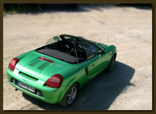 Herrn Olsens Ex-Spielzeug-Vehikel Toyota MR2 Roadster (klick macht groß)