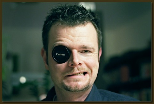 Herr Olsen mit Gegenlichtblende - Filtert das komplette Spektrum und zeigt die Lieblingsmarke