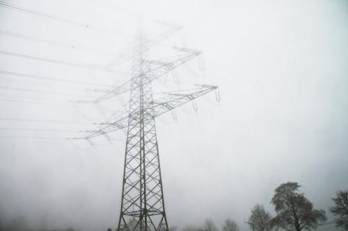 220 und 380kV im Nebel