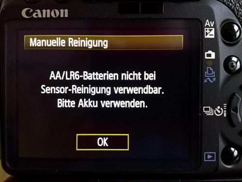 AA/LR6-Batterien nicht bei Sensor-Reinigung verwendbar. Bitte Akku verwenden.