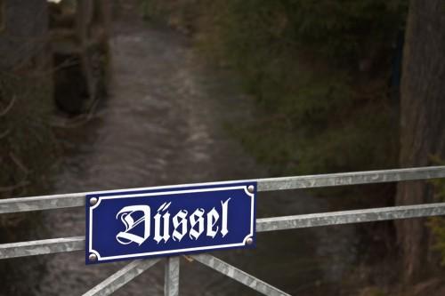 Düssel
