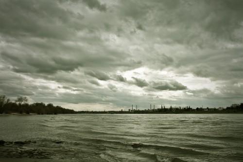 Der Rhein bei Düsseldorf Himmelgeist