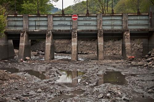 Gewaltschütz am Obergraben des Wasserkraftwerks Auer Kotten