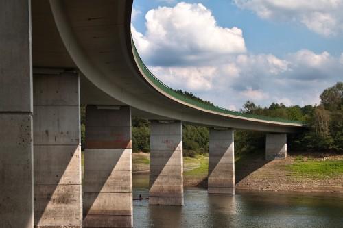 Brücke der L412 über die Wuppertalsperre