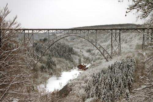 Müngstener Brücke im Schnee